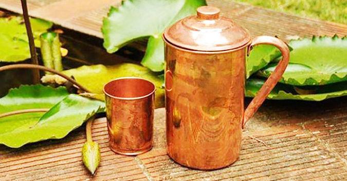 Water Stored in Copper Vessel (तांबे के बर्तन में पानी संग्रहित करना)